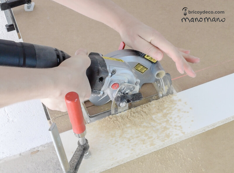 thehandymano mano mano pallet coffee table circular saw